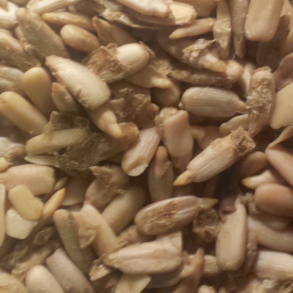 Sunflower seeds help to reduce cholesterol and enhances the immune system.